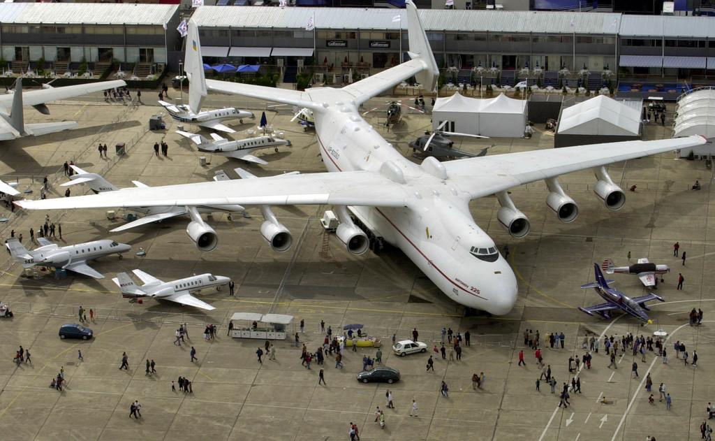 Le top dix des plus gros avions du monde - Quel est le plus grand porte avion du monde ...